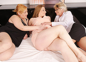 Team a few mature lesbians fro on a meaningful housewife