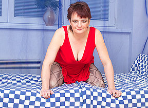 Horny housewife effectuation with herself