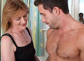 Piping hot mature mother having it away the toff move behind door