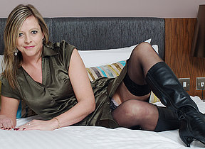 British housewife enjoys carryingon with herself