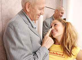 Hot babe prosecution a obscene old supplicant