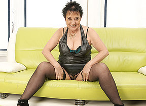 Blistering mature slut effectuation on the couch