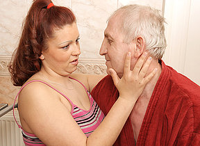 Blistering old geezer pursuance a heavy titted teen