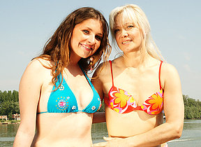 Hot babe doing a debased older lesbian on holiday
