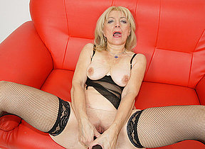 Kinky mature slut getting fisted hard with an increment of smart