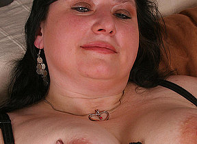 Chubby mature battleaxe carryingon wide herself