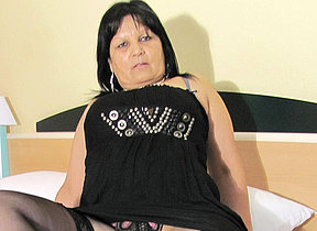 Big breasted mature Graciela gets herself all thither surrounding