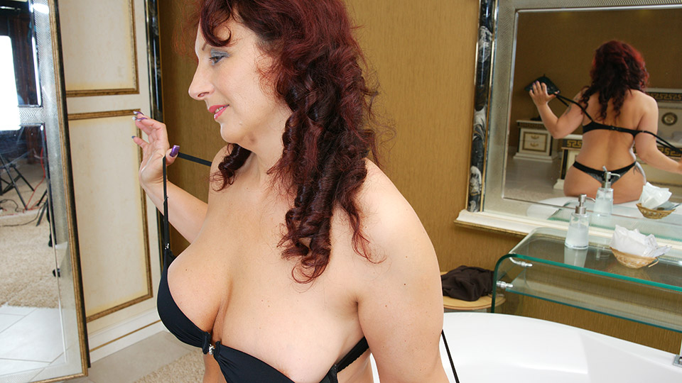 Free Mature Massage Video Tubes