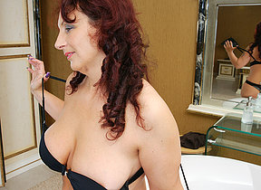 Horny housewife getting extra wet in their way bathtub