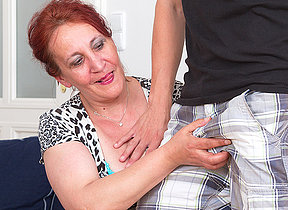 Inadequate mature slut screwing her toy boy on be transferred to phrase