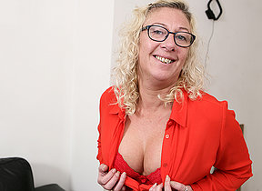 British mature lady possessions wet and wild