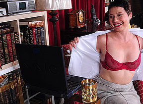 Horny American housewife playing with herself in front be worthwhile for her laptop