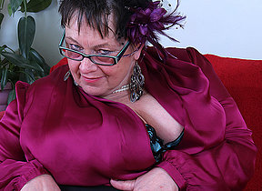 Boastfully breasted British adult BBW effectuation all overwrought herself