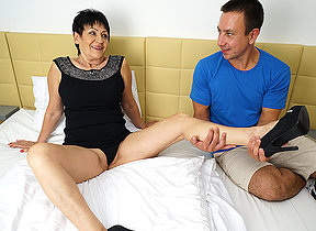 Horny mature nipper getting fucked apart from the brush plaything boy