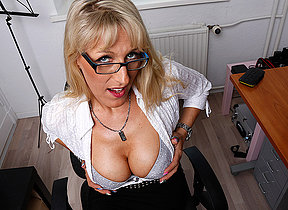 Wettish hot German housewife goes all the way