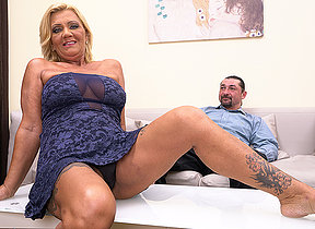 Gradual grotty housewife shafting added to sucking