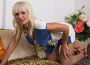 Horny blonde housewife carryingon with yourself