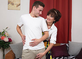 XXX housewife sucking and shacking up will not hear of toyboy