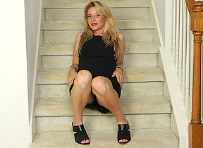 Criminal American MILF playing there her pussy out of reach of the stairs