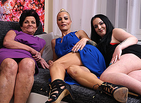 Two aged and young lesbians beg out on rubdown the settee