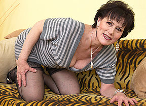 Naughty mature lsut bringing off with yourselves