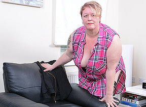 Horny mature BBW carryingon beside themselves