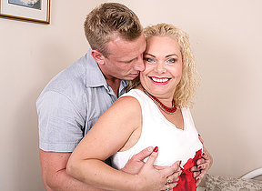 Crabby British housewife sucking and riding a fixed cock