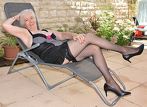 Horny British mature lady acquiring scruffy in her garden