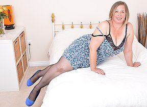 Chubby British housewife property wet with an increment of aside