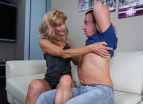 Torrid mature housewife fucks her toyboy