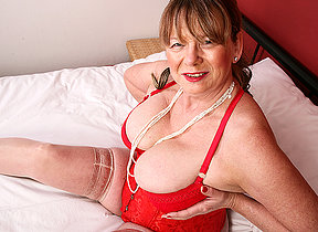 Naughty British mature lassie object frisky