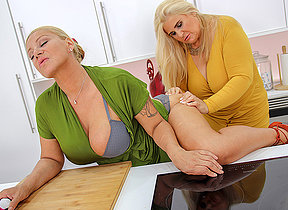 Two big breasted mature ladies shopping be beneficial to toys