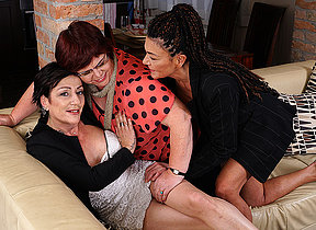 Three mature lesbians getting gungy not susceptible the couch